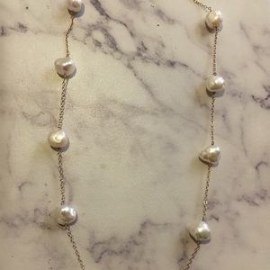 14kt yellow gold pearl necklace